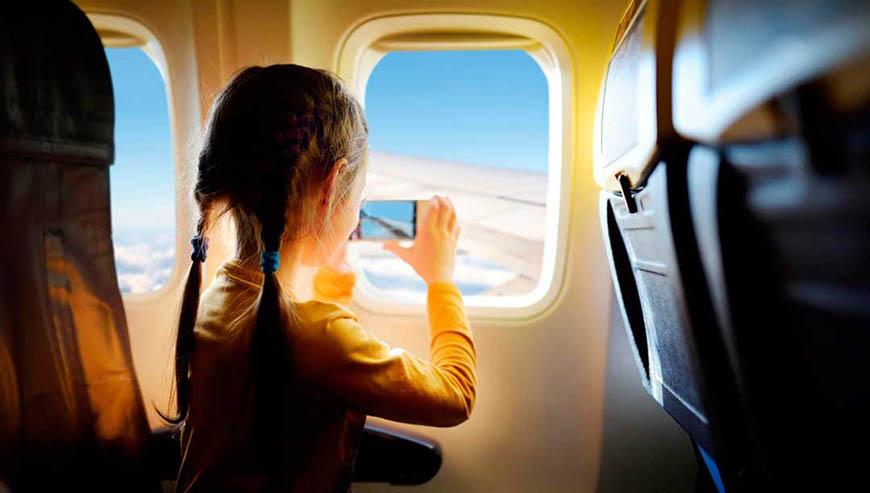 Cómo entretener a los niños en los trayectos de avión